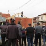 Развалят незаконни постройки в Седми квартал