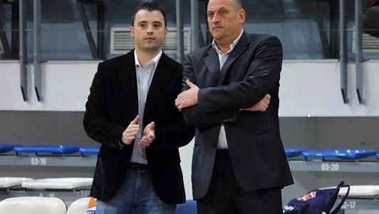 """След 5 години начело на """"Рилски спортист"""" досегашният наставник Росен Барчовски сдаде поста на помощника си Людмил Хаджисотиров. Това стана на заседание на управата на клуба. Самият Барчовски е повишен […]"""