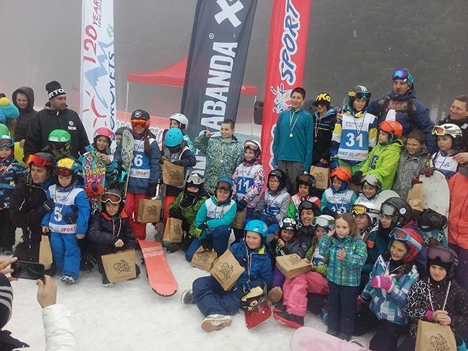 """В Боровец на 11, 12 и 13 март се състоя първото състезание за купа """"БороБорд Джуниър"""". Писта """"Иглика"""" и """"Промо Парк Бороспорт"""" станаха поле за изява на сноубордисти от 6- […]"""