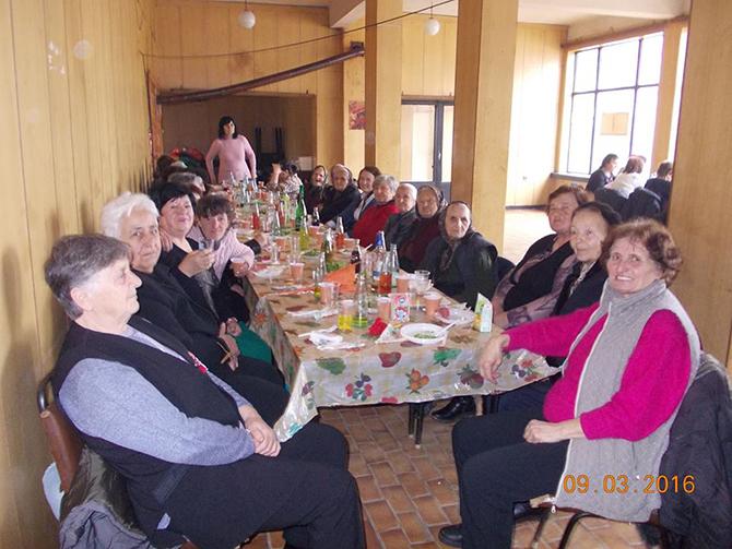 В Алино 8 март бе честван от над 50 жени в ресторанта на селото. Ръководството на местното читалище зарадва дамите с цветя, а се погрижи и за организацията, и за […]