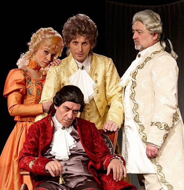 """Спектакълът """"Амадеус"""" на Ловешкия драматичен театър на 12 април в читалище-паметник """"Отец Паисий"""" беше прекрасен подарък за самоковската публика. А тя се върна отново в залата на стойностните спектакли. Защото […]"""