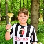 Атанас Петров с успехи и във футбола и плуването