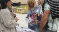 """Екипът на Областния информационен център организира на 28 юни приемна на централния площад """"Захарий Зограф"""" в града ни. Посетителите бяха информирани за възможностите за кандидатстване по програмите, съфинансирани от Европейските […]"""