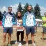 Боян Софин и Пепи Доганов с медали от Шумен