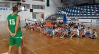 """Вълнуваща среща с 4 баскетболисти от националния ни тим имаха десетки самоковчета, участващи в лятната баскетболна програма на """"Рилски спортист"""". Те зададоха въпроси на голямата надежда на родния баскетбол Александър […]"""