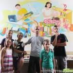 """Изрисувана класна стая ще посрещне първите първолаци в СОУ """"Отец Паисий"""""""