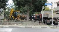 Започна ремонт на градинката до сградата на Обединена българска банка. Този терен, западно от банката, доскоро представляваше импровизирано футболно игрище, заградено с мрежа. Общината е разработила архитектурно-благоустройствен проект, който предвижда […]
