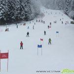 """Ученици от СУ """"Отец Паисий"""" се състезаваха на ски в Боровец"""