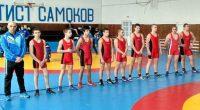 """Отборът на """"Рилски спортист"""" се класира за плейофите на националната отборна лига по борба класически стил при кадетите. През почивните дни в спортната зала на училище """"Никола Велчев"""" нашите борци […]"""