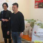 Стефан Докузов дари маркови якета на децата от Центъра за настаняване от семеен тип
