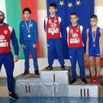 Децата на Самоков с 3 медала от държавното по борба в Сливен