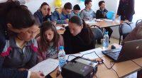 """От 10 до 12 април 15 деца от Райово участваха в поредното обучение по финансова грамотност по проект """"Активни потребители"""". Обучението обхвана най-важните аспекти от управлението на личните финанси, свързани […]"""
