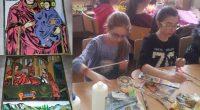 """Във връзка с предстоящите великденски празници ученици от СУ """"Отец Паисий"""" рисуваха икони, с които украсиха училищните коридори. По случай предстоящия Ден на Земята /22 април/ от рециклирани материали бяха […]"""
