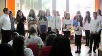 """25 април 2017 г. На този ден Петя Дубарова щеше да навърши 55 години. Това с много вълнение в детския отдел на Общинската библиотека """"Паисий Хилендарски"""" отбелязаха във вторник четвъртокласници […]"""