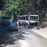 Пътнически автобус изгоря напълно край Боровец