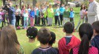 """Учениците, участвали най-активно в екологичните кампании на Общината през тази пролет, бяха отличени на 28 април в Туристическата градина, която дни по-рано бе домакин на начинанието """"Оцвети парка"""". Другите инициативи, […]"""