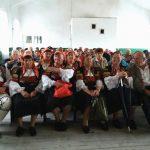 Председателят на писателския съюз Боян Ангелов чете стихове в Поповяне