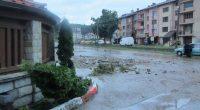 """Приключи извозването на повредената покъщнина на пострадалите от наводнението, информираха от Общината на 13 юли. Както е известно, най-пострадали от водната стихия на 3 юли бяха живеещите на улиците """"България"""", […]"""
