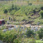 Свлачище на Ридо затрупа гробове