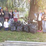 Жители на Драгушиново почистиха центъра на селото