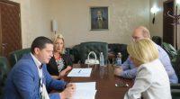 """Областният управител Илиан Тодоров и председателят на сдружението с нестопанска цел """"Дива земя"""" Ваня Ламбева подписаха споразумение за сътрудничество и партньорство. Двете страни ще работят съвместно за по-добра жизнена и […]"""