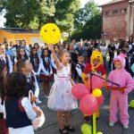 """Първолаците в ОУ """"Христо Максимов"""" се заклеха да учат и да станат достойни граждани"""