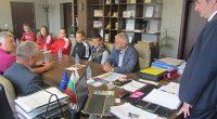 """Петимата представители на клуб """"Рилски атлет"""" на Европейските атлетически игри за младежи до 20 г. в Бърно, Чехия, гостуваха в четвъртък, 21 септември, в кабинета на кмета Владимир Георгиев. Тук […]"""