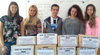 """Ученици от СУ """"Отец Паисий"""", които стояха в основата на няколко благотворителни акции преди време, сега започнаха кампания за набиране на средства за лечението на Димитър Лобутов. 13-годишното момче е […]"""