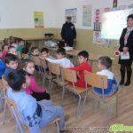 """Деца от НУ """"Ст. Доспевски"""" с урок по безопасност на движението от шефа на КАТ Георги Елин"""