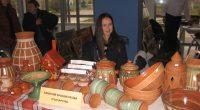 """Традиционно изложение на занаятите съпътстваше фестивала """"Нашенско хоро"""" на 11 ноември зала """"Самоков"""". Докато вътре се играеше, във фоайето желаещите имаха възможност да се насладят на подредените щандове с майсторски […]"""