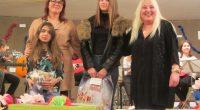 """Общо 69 самоковски ученици се включиха в първия по рода си конкурс за """"Най-оригинално коледно и новогодишно послание"""", организиран от уредничката на Младежкия дом Латинка Щъркелова. Първенците в двете възрастови […]"""