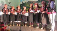 """Близо тричасов фолклорен концерт на 2 декември ознаменува юбилея на алинското читалище """"Васил Левски"""", навършило 80 години от основаването си през далечната 1937 г. Празникът бе открит от местната група […]"""