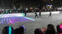 """Десетият юбилеен сезон на ледената пързалка в Самоков бе официално открит по-рано днес, по време на тържеството за запалване на светлините на коледнаха елха край централния площад """"Захарий Зограф"""" /повече […]"""