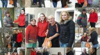 """Внушителната бройка от около 400 пакета с хранителни продукти намериха пристан в домовете на социално слаби хора и семейства от Самоков и региона в рамките на кампанията """"Бъди човек"""". """"Това […]"""