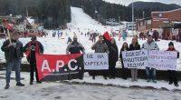 Протест срещу ниските възнаграждения на служителите в Боровец се състоя по-рано днес в централната част на най-стария зимен курорт в България. Двайсетина души откликнаха на инициативата на Екатерина Василева, Ивелина […]