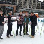 """Петър Попангелов и """"Росиньол"""" дариха със ски екипировка """"Боровец"""" и """"Чамкория"""""""