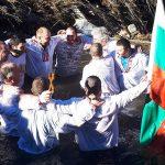 Кметът Иван Марков хвана кръста в Маджаре, Любо Попов поведе мъжкото хоро