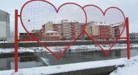 Навръх Деня на влюбените 14 февруари в горната част на Крайречната зона в Самоков бе открита декоративна метална арт конструкция с форма на сърца. Тук желаещите могат да окачат персонализирани […]