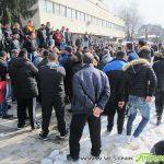 """Протестът """"Не на дискриминацията"""" мина мирно, но раздели ромите в Самоков"""