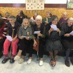"""Ученици от ПГ """"Константин Фотинов"""" зарадваха обитателите на Дома за стари хора навръх 8 март"""