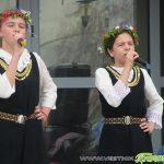"""Красиви девойки от читалище """"Младост"""" честваха Лазаровден край Искъра /СНИМКИ/"""