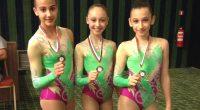 """Четири отличия спечелиха състезателите по спортна аеробика на клуб """"Самоков"""" от състоялия се на 18 март в залата на НСА """"Аеро фест"""". Особено силно бе присъствието на нашите грации в […]"""
