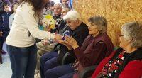 """Ученици и учители от СУ """"Отец Паисий"""" посетиха на 9 март Дома за стари хора """"Сем. д-р Калинкови"""". Момчета и момичета от 1, 2 и 3 клас поздравиха домуващите с […]"""