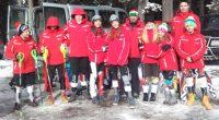 """Двама самоковски скиори спечелиха медали от днешния супер гигантски слалом за купа """"Капи"""" в Банско. Симона Скробанска грабна сребърно отличие в надпреварата за момичета до 16 г. Състезателката на клуб […]"""