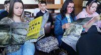 """Оригинална изложба по художествения проект на Хубен Черкелов """"120 ЛИЦА"""" бе открита в Общинската библиотека """"Паисий Хилендарски"""" на 30 май. Картините са 120 и представят портрети, заимствани от банкноти от […]"""