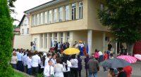 """Последният учебен ден за ОУ """"Митрополит Авксентий Велешки"""" – 15 юни – стана и първи работен ден за осъществяване на проекта за саниране на сградата на училището. Освен нея по […]"""