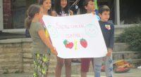 """22 ентусиазирани деца се включиха в организираната от общинската библиотека """"Паисий Хилендарски"""" забавна надпревара """"Бързи, смели, сръчни"""", състояла се на центалния площад """"Захарий Зограф"""" на 4 юли. Участниците оформиха два […]"""