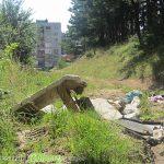 """Боклуци отрупаха пътя към Ридо от блоковете във """"Възраждане"""""""