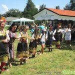 Народни песни и хора огласиха моравата край Бельова черква