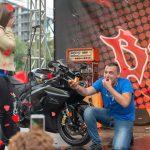 """Стотици зрители на """"Боро рок"""", моторист чу заветното """"Да"""" на сцената"""